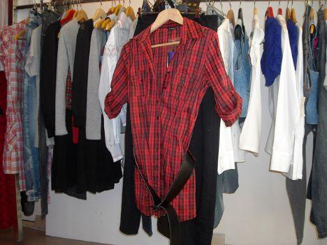 Kareli kırmızı gömlek 79 YTL